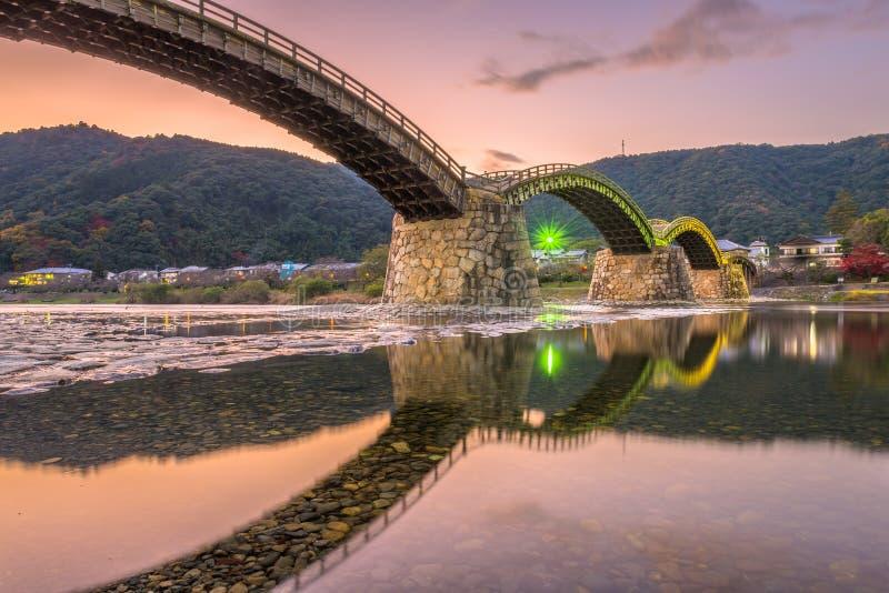 Iwakuni, Japão na ponte de Kintaikyo fotografia de stock