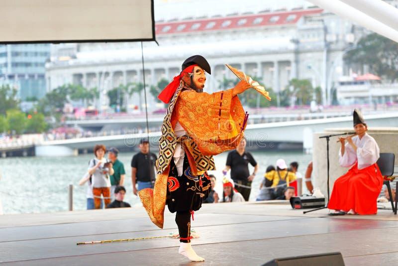 Iwami Kagura: Mord der Acht-köpfigen Schlangen-Leistung Theater am im Freien Singapur der Esplanade lizenzfreies stockfoto