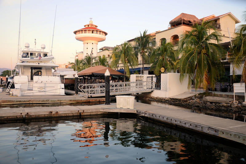 Ixtapa-Jachthafen stockfotos