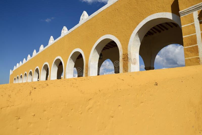 Izamal, Μεξικό-6 Ιανουαρίου 2019: Μοναστήρι Σαν Αντόνιο στοκ εικόνες με δικαίωμα ελεύθερης χρήσης