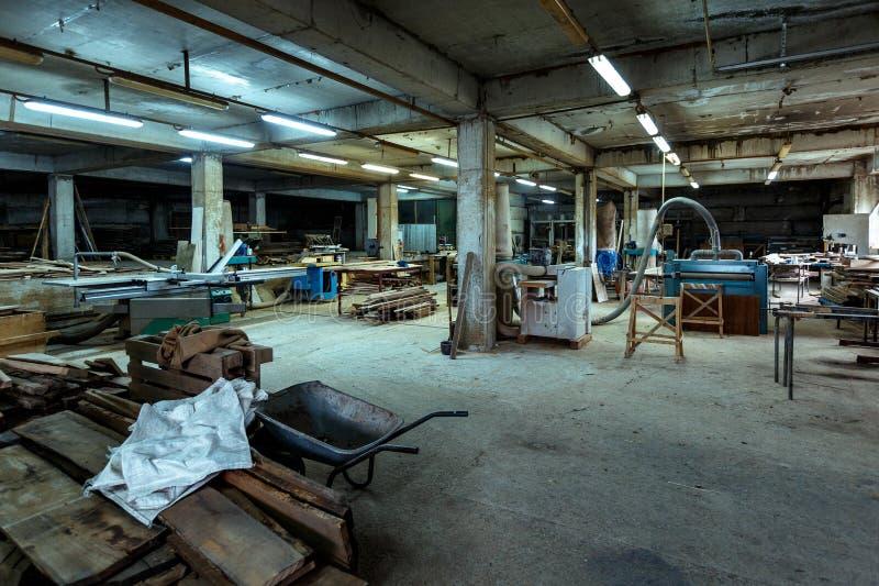 Izbowy woodworking warsztat całkowity plan Produkci, manufaktury i woodworking przemysłu pojęcie, - meblarski fabryczny warsztat zdjęcie stock
