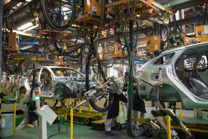 Izhevsk, Rússia - 15 de dezembro de 2018: Cadeia de fabricação produção do carro novo de LADA na fábrica de automóvel AVTOVAZ em  foto de stock royalty free