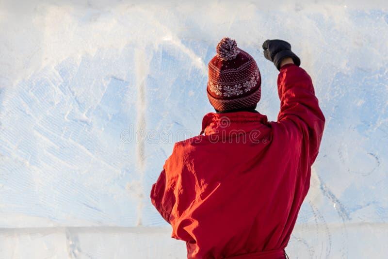 Izhevsk, Rússia, o 10 de janeiro de 2019: o festival Udmurt do gelo, uma escultura de gelo foto de stock