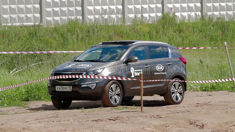 IZHEVSK, RUSSIA   JUNE 22, 2014: Kia Sportage At Offroad Test Drive Stock  Footage   Video Of Land, Drive: 88959138