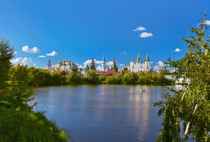 Izmailovo el Kremlin y ruso del lago - Moscú imagen de archivo libre de regalías