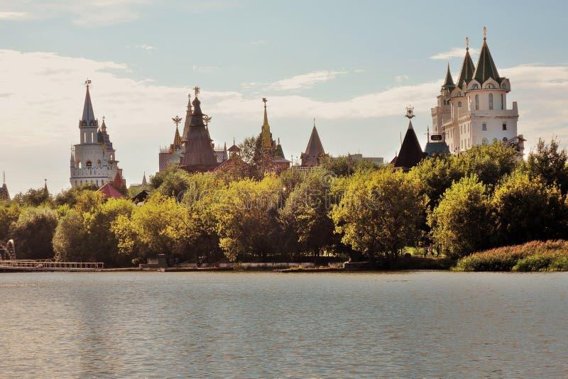 Izmailovo Kremlin en Moscú Foto de color foto de archivo