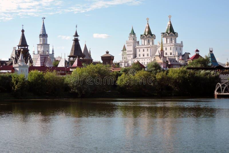 Izmailovo Kremlin en Moscú Foto de color fotos de archivo