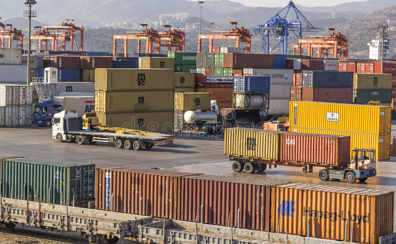 Download Izmir port editorial photo. Image of industry, logistic - 37563061