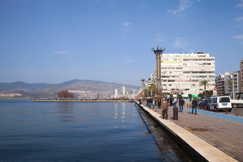 Izmir Turkiet Kust- cityscape royaltyfri foto
