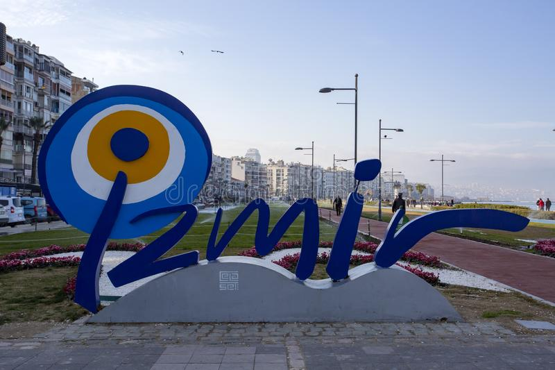 Izmir, Turkije - Maart 02, 2019: De mening van de Kordonstraat in Izmir Izmir is populer toeristenbestemming in Turkije stock afbeeldingen