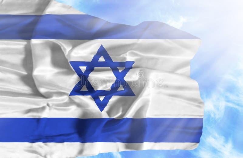 Izrael falowania flaga przeciw niebieskiemu niebu z sunrays ilustracja wektor