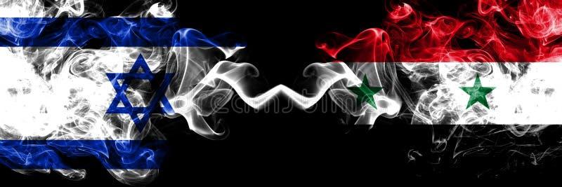 Izrael vs Syria, Syryjskie dymiące tajemnicze flagi umieszczająca strona strona - obok - Gęsta barwiona silky dym flaga Izrael i  royalty ilustracja