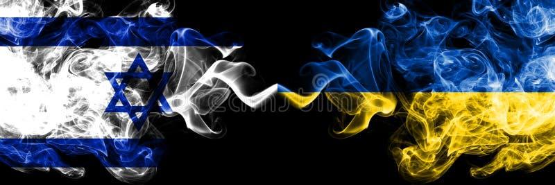 Izrael vs Ukraina, Ukraińskie dymiące tajemnicze flagi umieszczająca strona strona - obok - Gęsta barwiona silky dym flaga Izrael ilustracja wektor