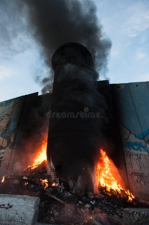 Izraelicka separacyjna ściana na ogieniu zdjęcie royalty free