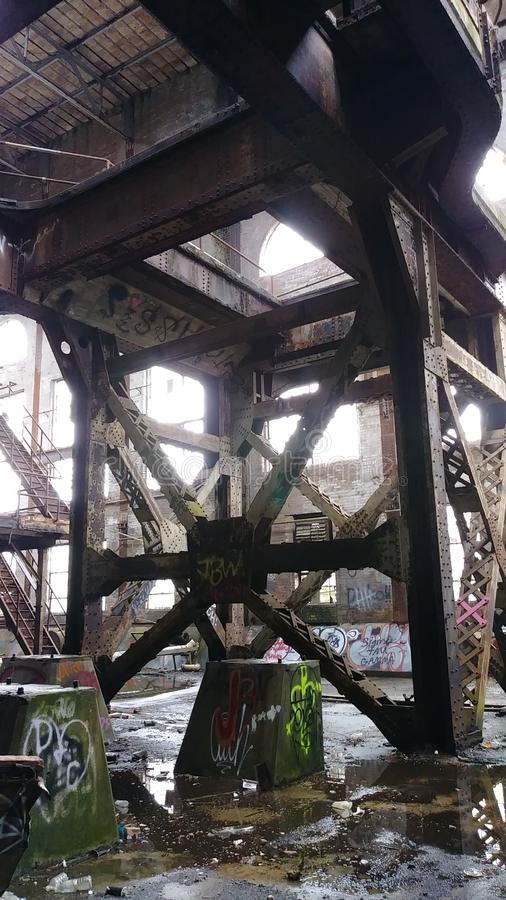 Já não subaquático após 40 anos Central elétrica abandonado da rua do mercado de Nova Orleães do poder de Market Street imagem de stock