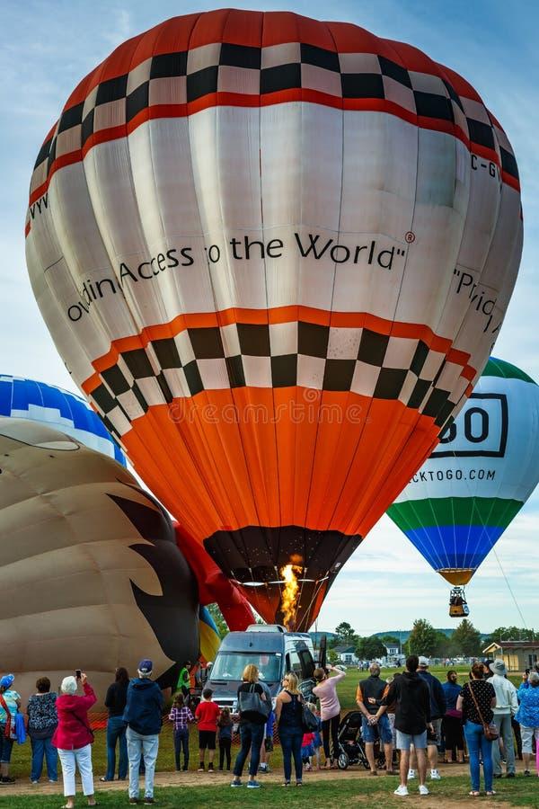 Jährliches Ballonfestival in Sussex, New-Brunswick, Kanada lizenzfreie stockfotos