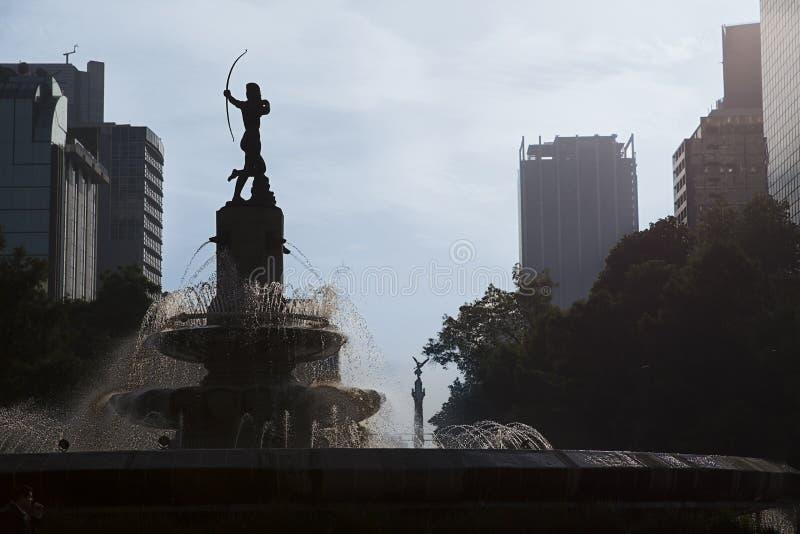 Jägare Diana Fountain (Fuente de la Diana Cazadora) i Mexico DF, Mexico fotografering för bildbyråer