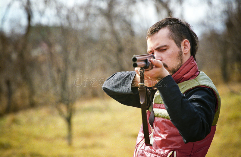 Jäger, der Ziel nimmt lizenzfreies stockbild