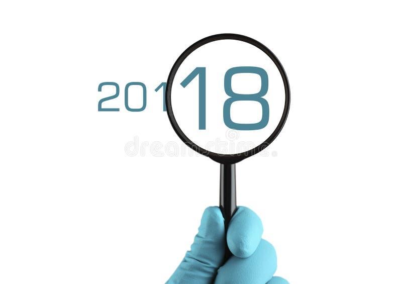 2018-jährig unter linearer Wiedergabe Getrennt auf weißem Hintergrund stockbild