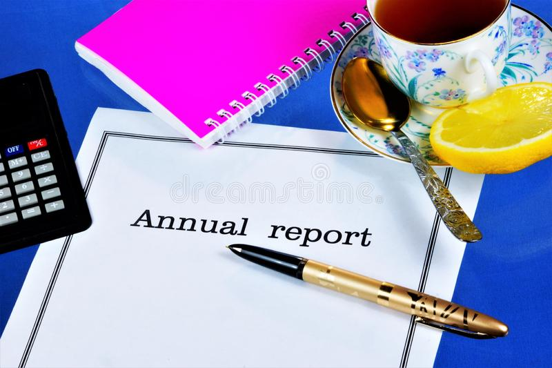 Jährliches Berichts-eindokument zur Verfügung gestellt vom Exekutivorgan der Firma Enthält den Bericht über die Hauptergebnisse d lizenzfreie stockfotografie