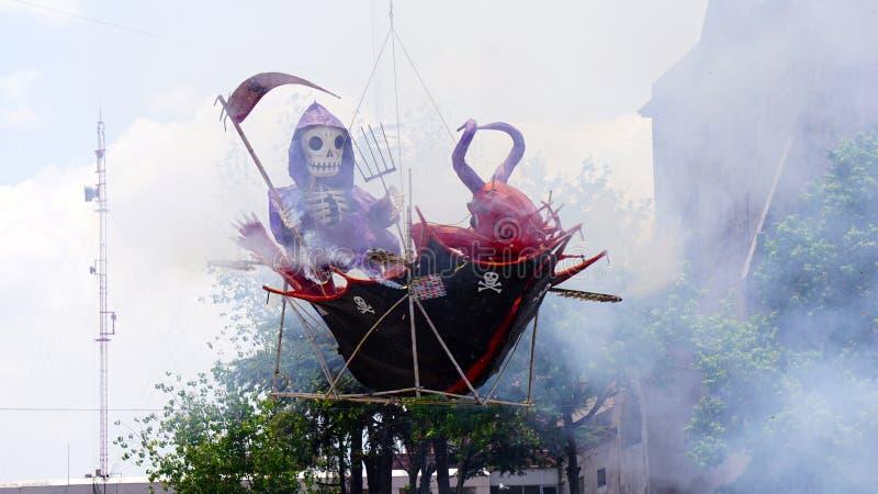 Jäkel- och dödbränning i ett fartyg royaltyfri bild