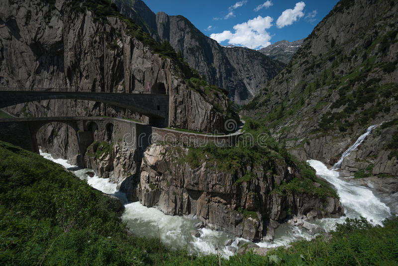Jäkels bro, Andermatt, Schweiz arkivbilder