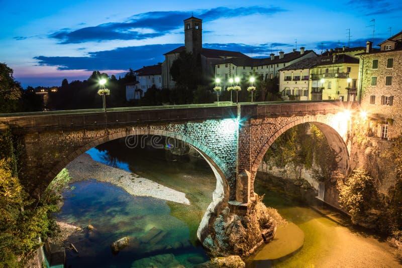 Jäkels bro av Cividale del Friuli royaltyfria bilder