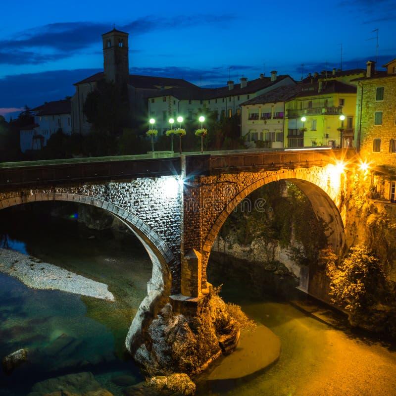 Jäkels bro av Cividale del Friuli royaltyfri bild