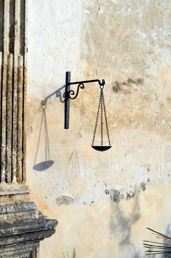 Jämviktssymbol av rättvisa arkivbilder