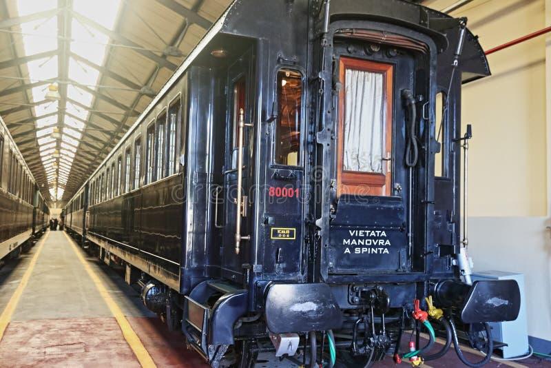 Järnvägändstationstation i Rome: det presidents- drevet arkivfoto