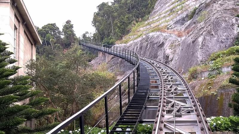 Järnväg för loppet som klättrar drev royaltyfria foton