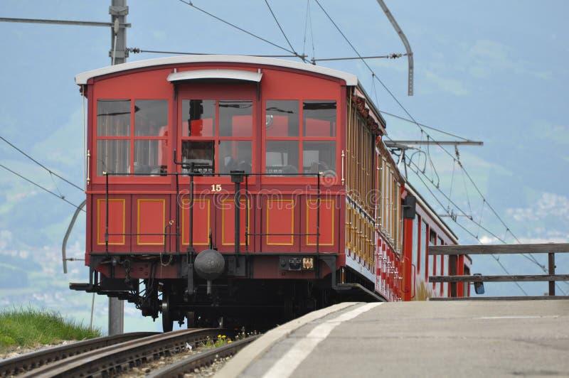 Järnväg för smal gauge. Schweitz. royaltyfria bilder