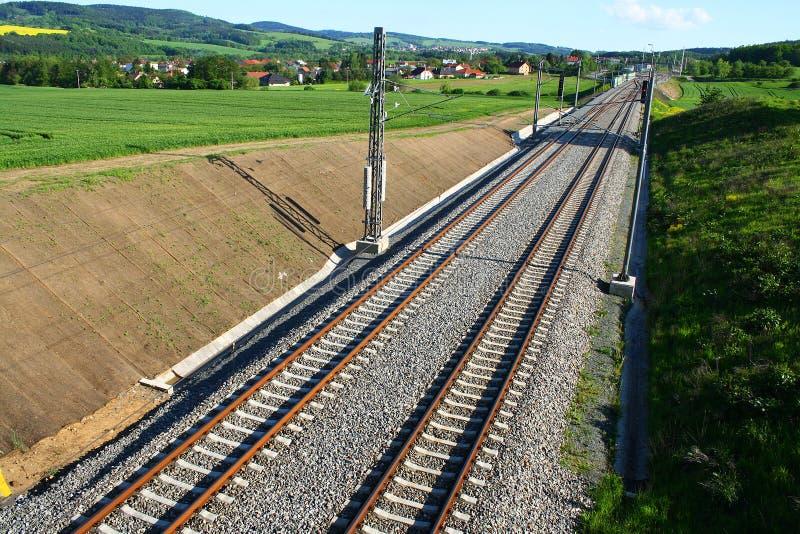 Järnväg i natur royaltyfri foto
