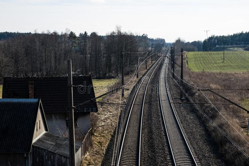 Järnväg linje för drev för snabb stång Järnväg linje och electr fotografering för bildbyråer