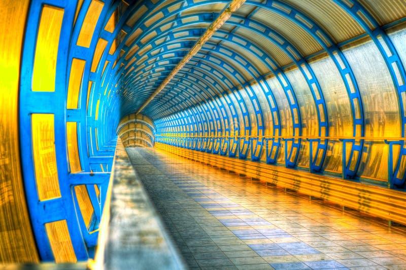järnväg stationsrör arkivfoto