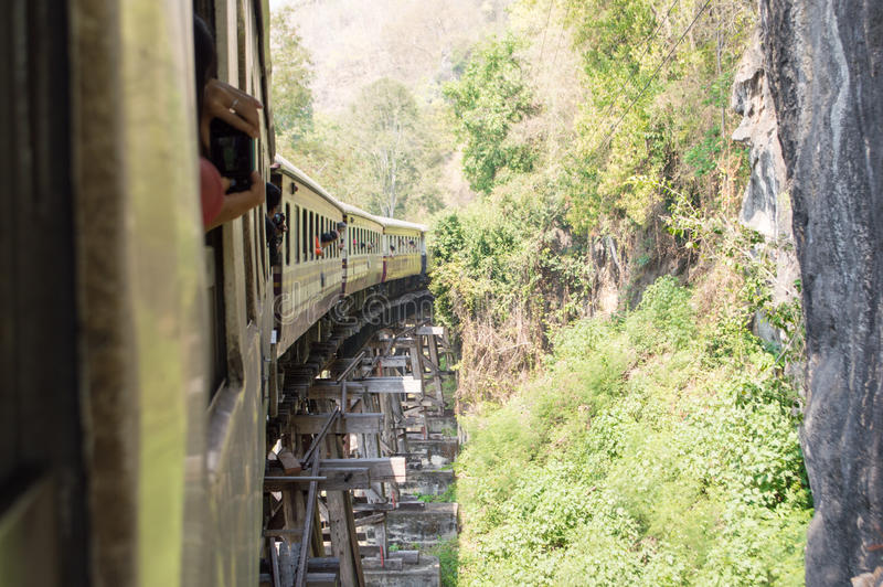 Järnväg Thailand bro över floden Kwai royaltyfria bilder