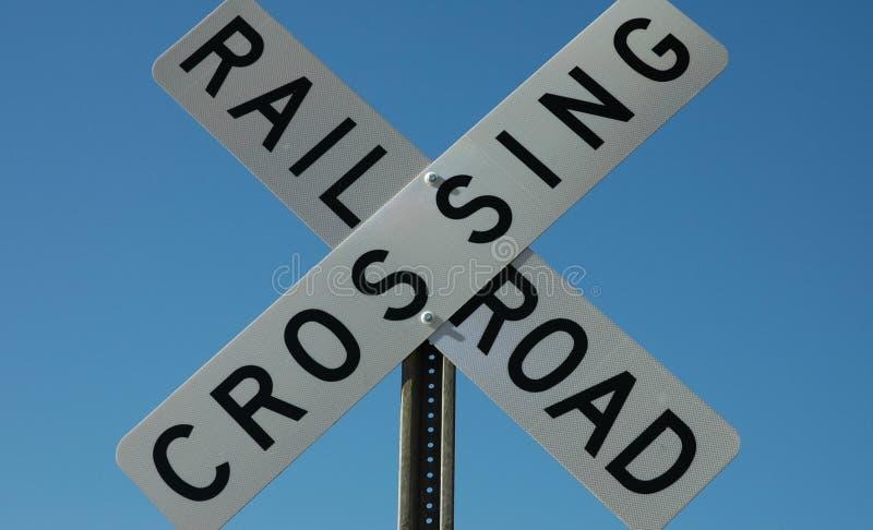 Download JärnvägCrossingtecken fotografering för bildbyråer. Bild av farligt - 38649