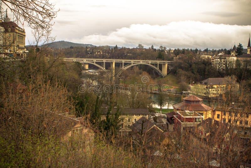 Järnvägsbro i Bern arkivbild