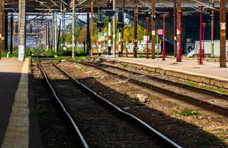 Järnvägslinjerna i Bukarest North Railway Station Gara de Nord Bucuresti i Bukarest, Rumänien, 2019 royaltyfri foto