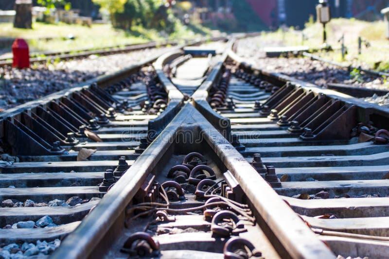 Järnvägsspår linje korsning järnvägsspår arkivbild