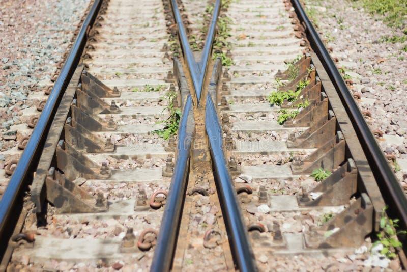 Järnvägsspår linje korsning järnvägsspår asia Thailand royaltyfria foton
