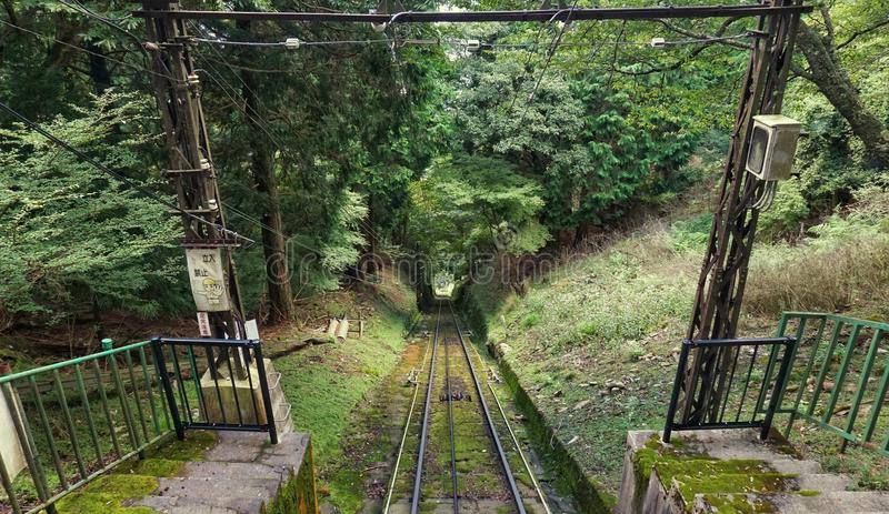Järnvägsspårmontering Hiei, Kyoto arkivbild