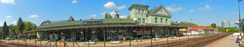Järnvägsstation Balatonalmadi, Ungern royaltyfri foto