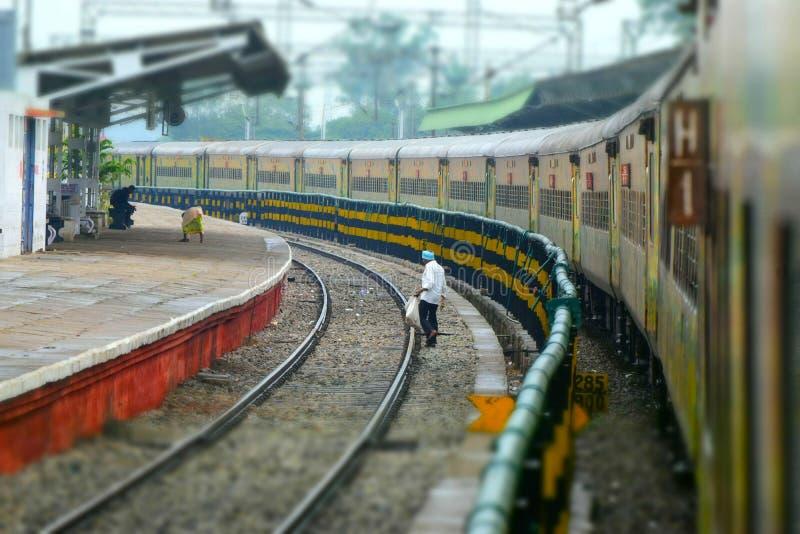 Järnvägsstation i fotografi för dagljusmateriel royaltyfria bilder
