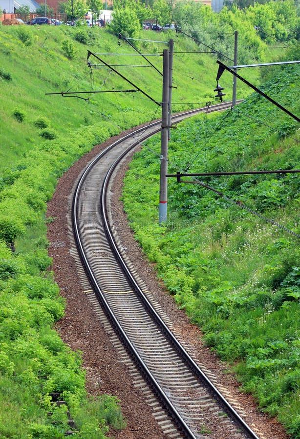 Download Järnvägvänd i en stad arkivfoto. Bild av stillsamt, sommar - 76702796