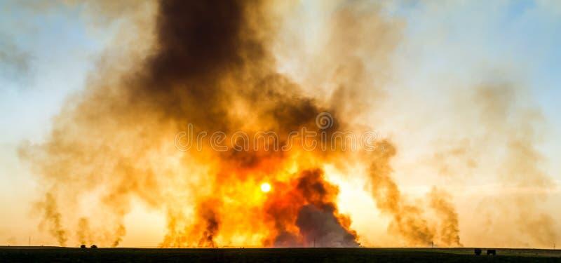 Jätte- explosion royaltyfri bild