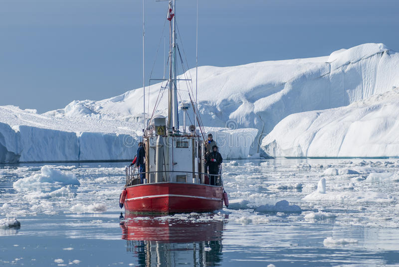 Jätte- isberg av den Disko fjärden arkivbild