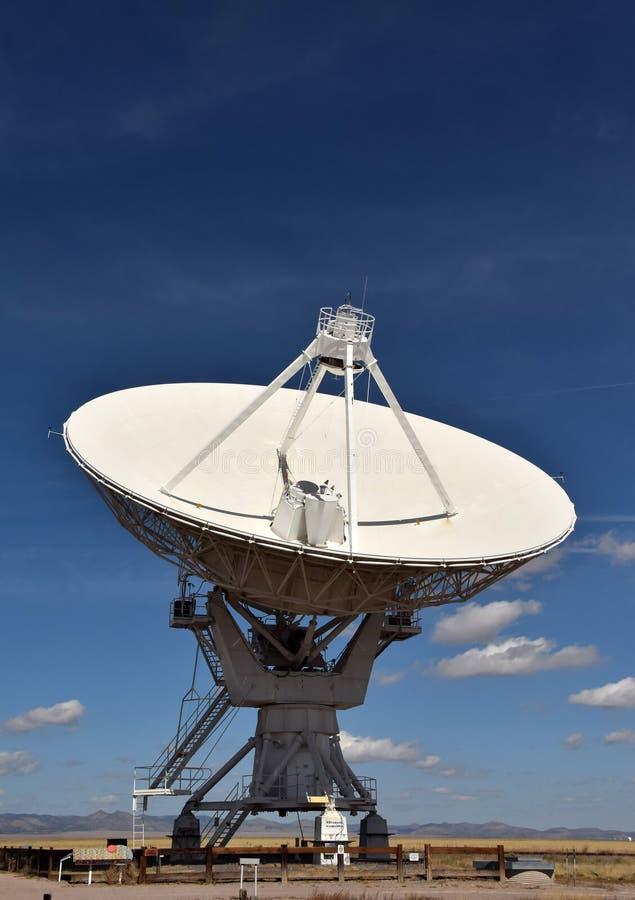 jätte- radioteleskop royaltyfri fotografi