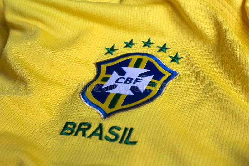 Jérsei do amarelo da federação do futebol de Brasil foto de stock