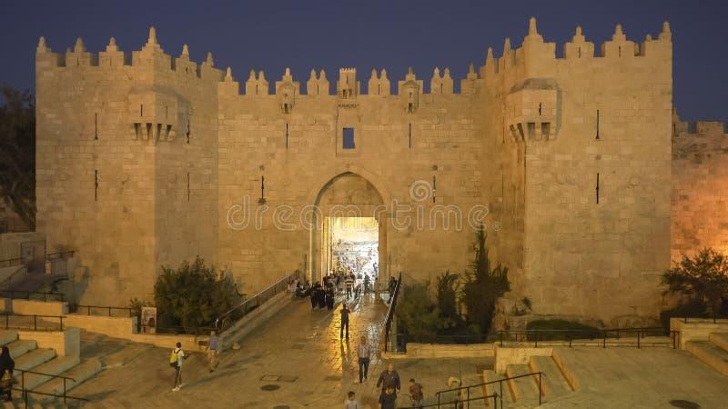 JÉRUSALEM, ISRAËL SEPTEMBRE, 21, 2016 : porte de Damas au crépuscule dans la vieille ville, Jérusalem photo stock